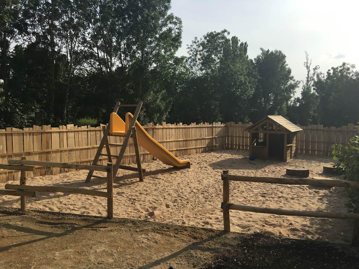 aire de jeux du camping Marais Poitevin